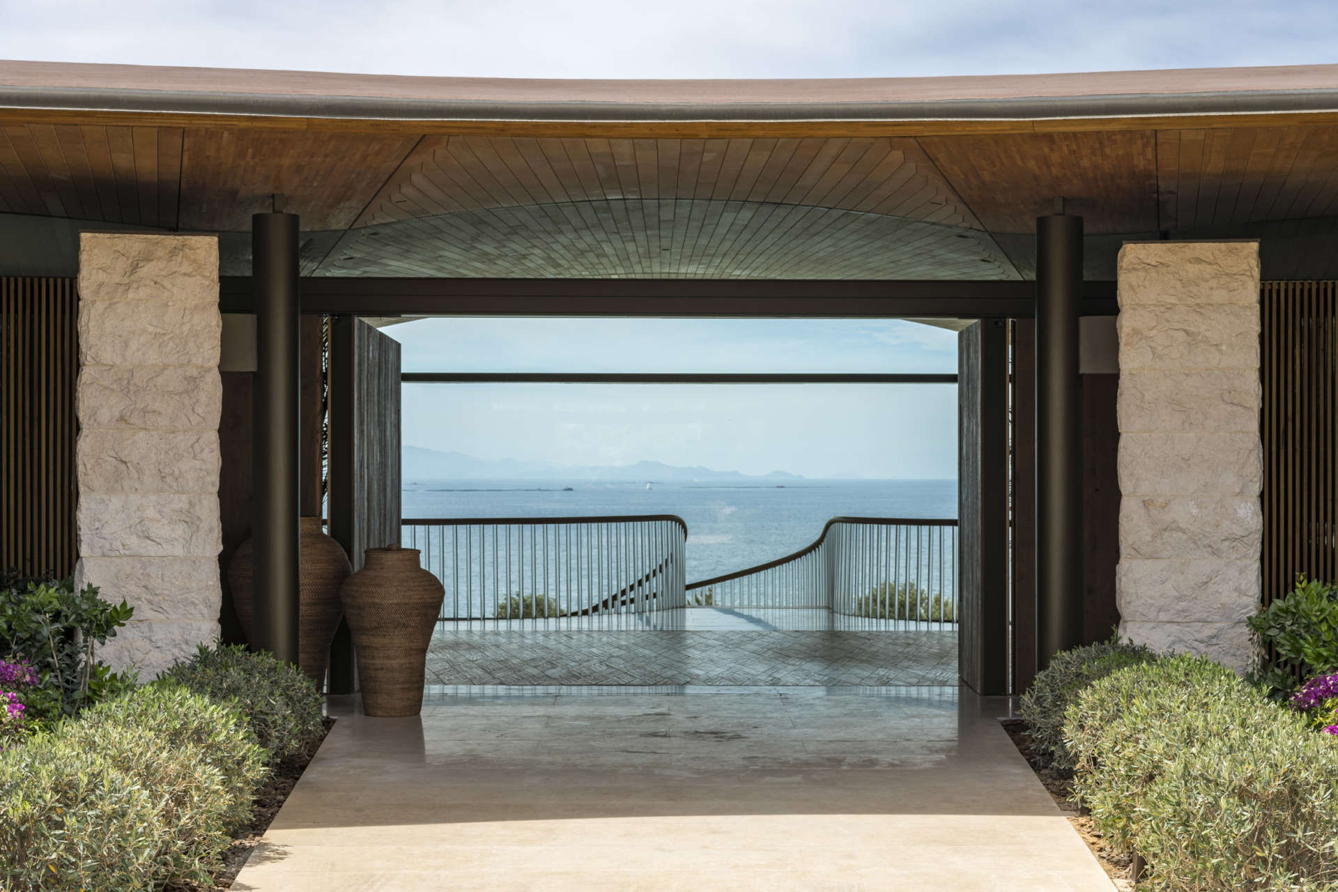 """Photos by <a href=""""https://www.fosterandpartners.com/studio/people/partners/nigel-young/"""">Nigel Young/Foster + Partners</a>"""